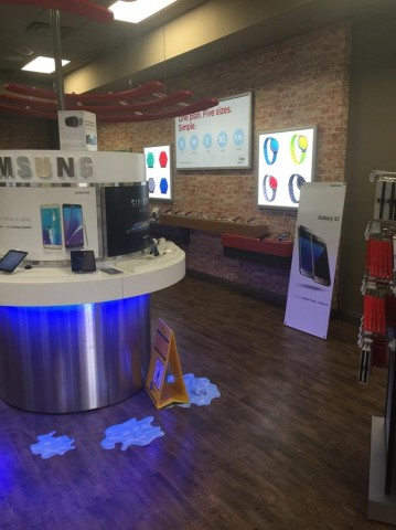 Verizon Authorized Retailer TCC 320 W Kimberly Rd North Park Mall 0069 D