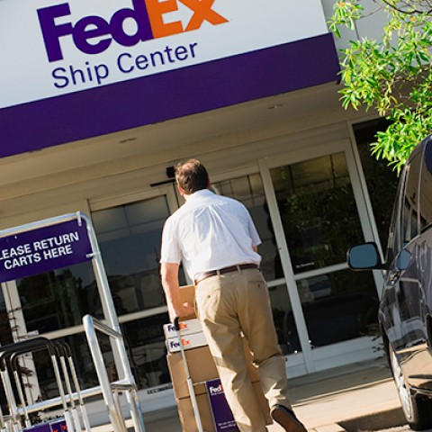 fedex ship center
