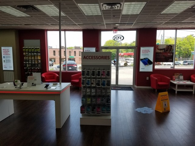 6 items· Find listings related to T Mobile Customer Service in Braintree on babipanggangbangka.tk See reviews, photos, directions, phone numbers and more for T Mobile Customer Service locations in Braintree, MA. Start your search by typing in the business name below.